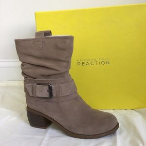 Kenneth Cole Curve Ball Bootie in Taupe 6M